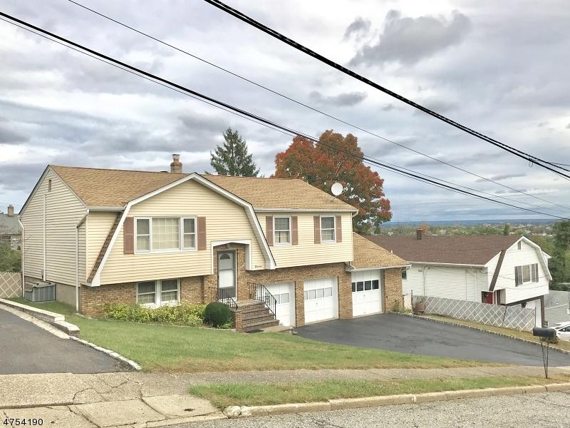 Частный односемейный дом для того Продажа на 18 Cypress Avenue Haledon, Нью-Джерси 07508 Соединенные Штаты