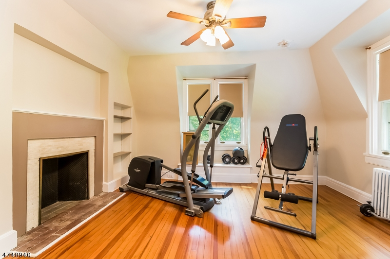 Additional photo for property listing at 26 North Road 26 North Road Nutley, New Jersey 07110 Vereinigte Staaten