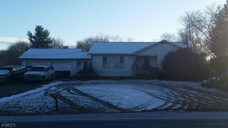 独户住宅 为 销售 在 472 Route 173 Greenwich, 新泽西州 08886 美国