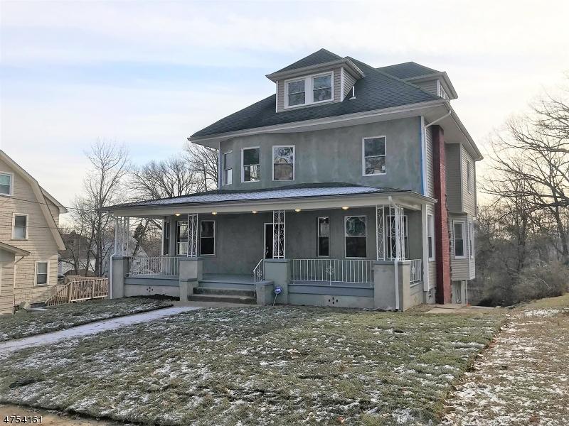 独户住宅 为 销售 在 28 Hazelwood Road 28 Hazelwood Road 布鲁姆菲尔德, 新泽西州 07003 美国