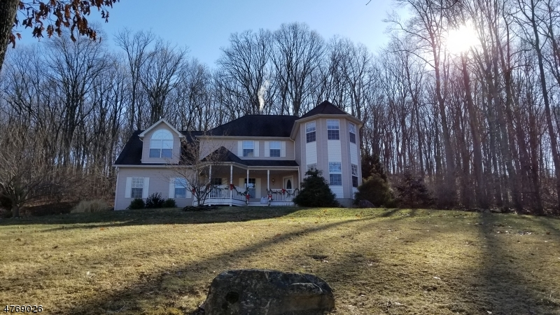 Single Family Home for Sale at 8 Woodward Ter Independence Township, New Jersey 07840 United States