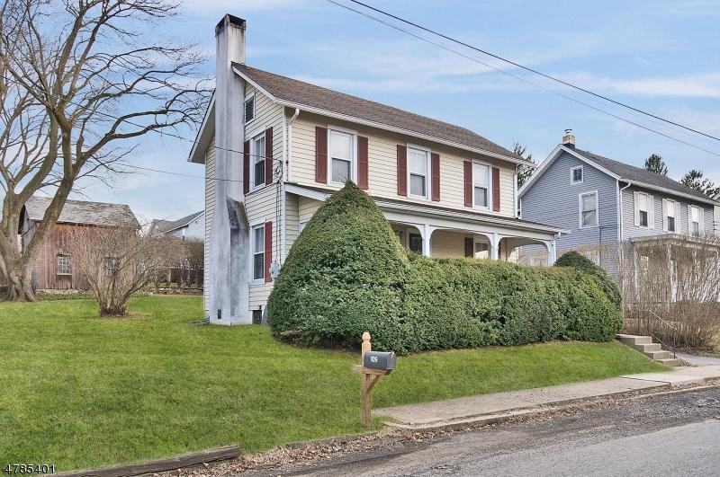 Enfamiljshus för Försäljning vid 109 Brunswick Avenue Bloomsbury, New Jersey 08804 Usa