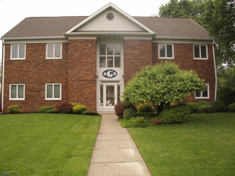 Comercial por un Alquiler en 115 E Grove St, 1st Floor Westfield, Nueva Jersey 07090 Estados Unidos