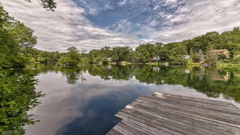 Vivienda unifamiliar por un Venta en 15 Birch Road Bloomingdale, Nueva Jersey 07403 Estados Unidos