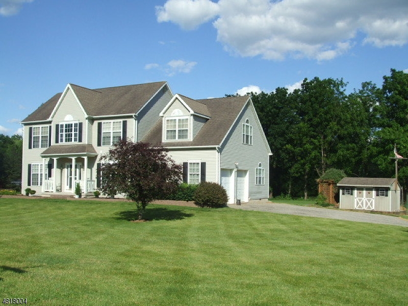 Single Family Home for Sale at 5 OLD CANAL Road Washington, New Jersey 07882 United States