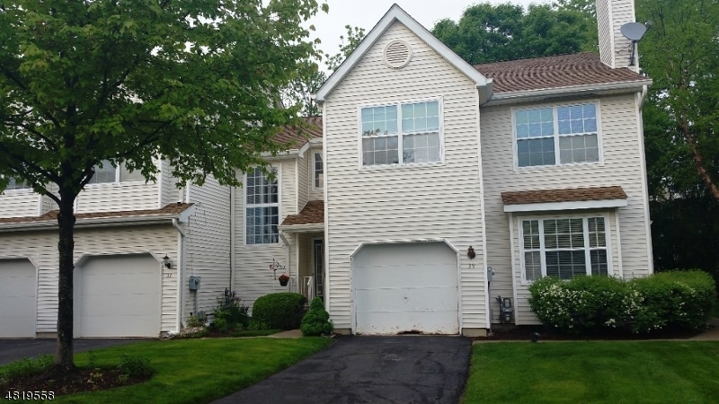 Condo / Townhouse for Sale at 39 WINDING BROOK Road Hamburg, New Jersey 07419 United States