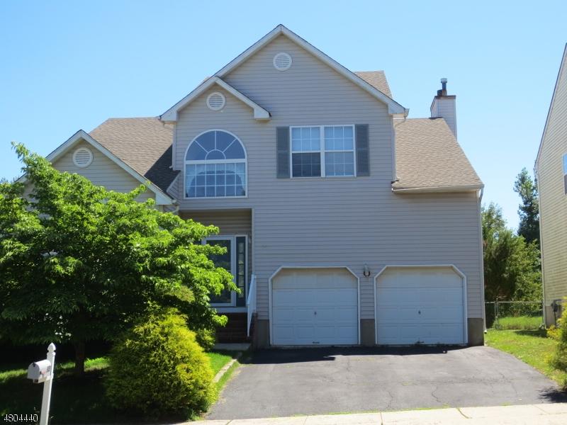 Частный односемейный дом для того Аренда на 12 Colmart Way Bridgewater, Нью-Джерси 08807 Соединенные Штаты