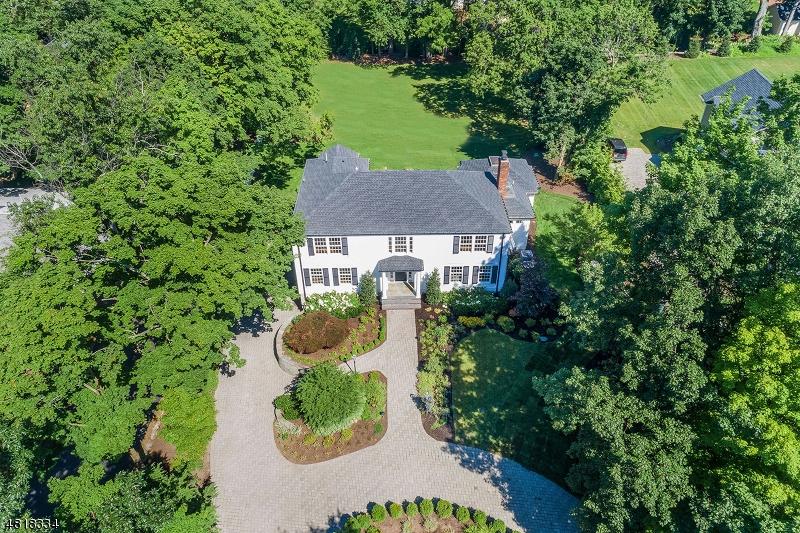 Maison unifamiliale pour l Vente à 95 GREEN Avenue Madison, New Jersey 07940 États-Unis