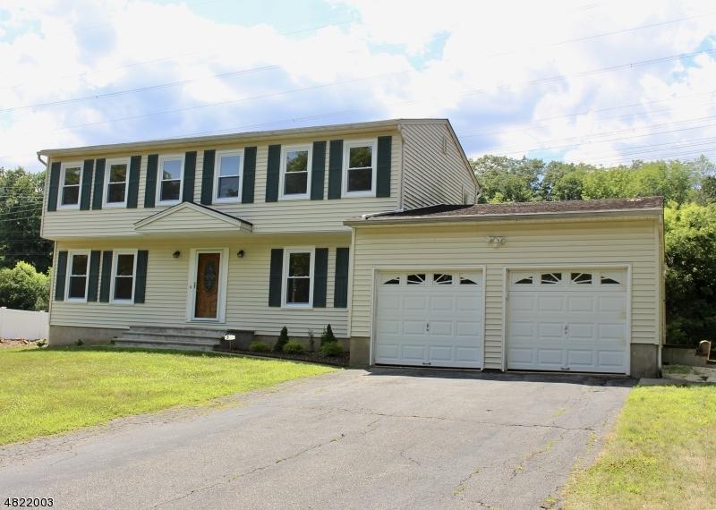 Maison unifamiliale pour l à louer à 6 JEAN Drive Montville, New Jersey 07082 États-Unis