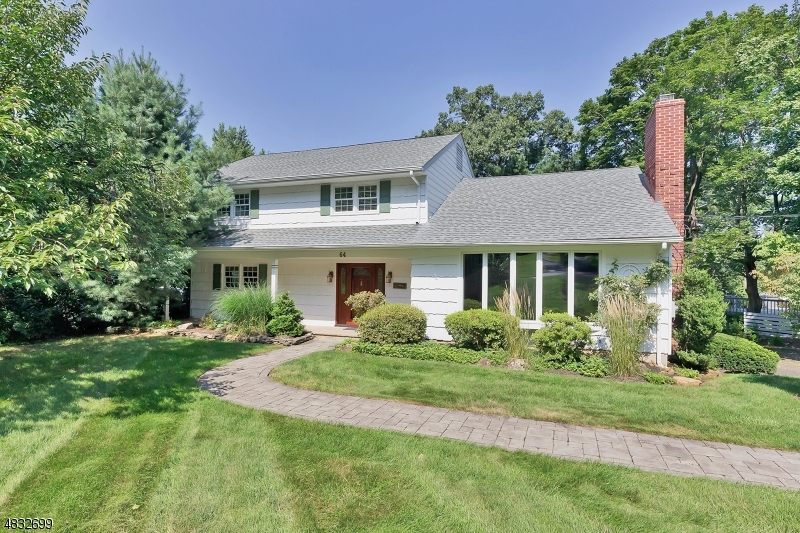 Single Family Home for Sale at 64 SUMMIT RD 64 SUMMIT RD Berkeley Heights, New Jersey 07974 United States