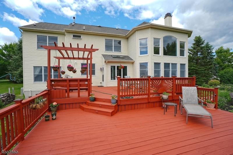Single Family Homes pour l Vente à Hampton, New Jersey 08827 États-Unis