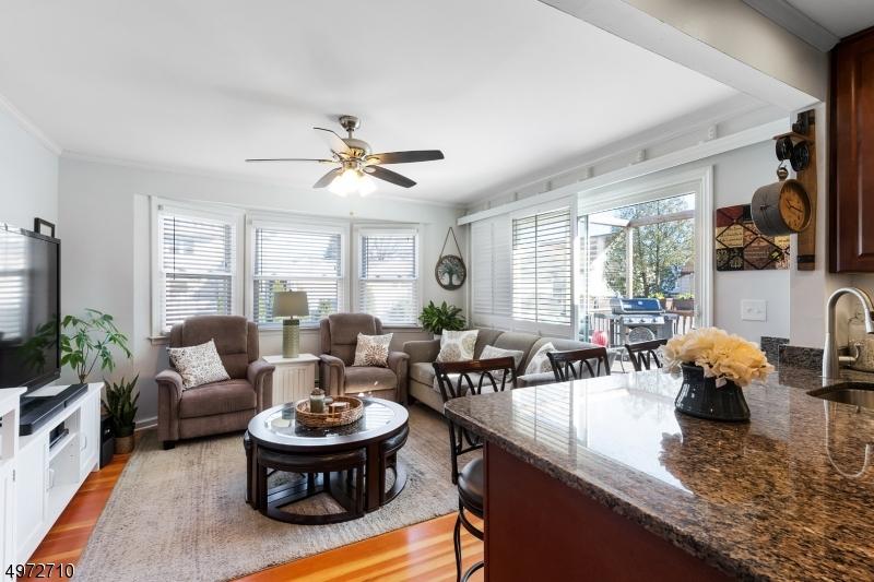 Additional photo for property listing at  Kenilworth, Nueva Jersey 07033 Estados Unidos