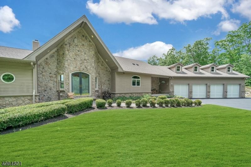 Single Family Homes por un Venta en Andover, Nueva Jersey 07860 Estados Unidos