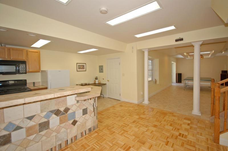 Additional photo for property listing at 2 Bradley Court  Dunellen, Nueva Jersey 08812 Estados Unidos