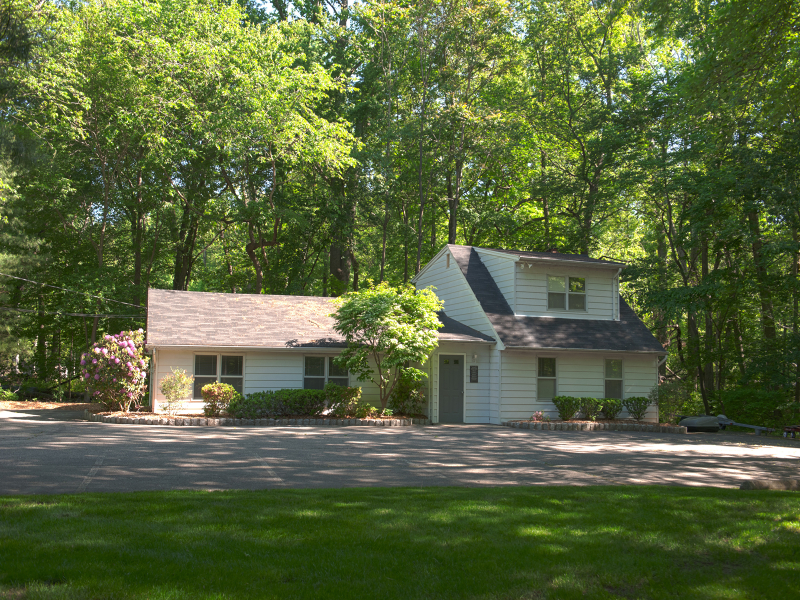 Additional photo for property listing at 1912 Hamburg Tpke  Wayne, Nueva Jersey 07470 Estados Unidos