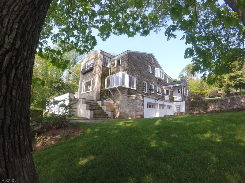 Single Family Home for Sale at 31 Gregory Avenue West Orange, 07052 United States