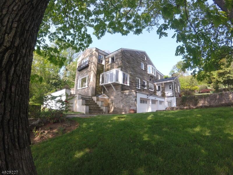 Частный односемейный дом для того Продажа на 31 Gregory Avenue West Orange, 07052 Соединенные Штаты