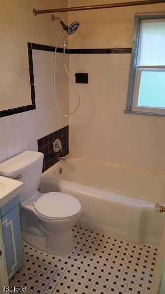 Additional photo for property listing at 511 E Henry Street  Linden, Nueva Jersey 07036 Estados Unidos