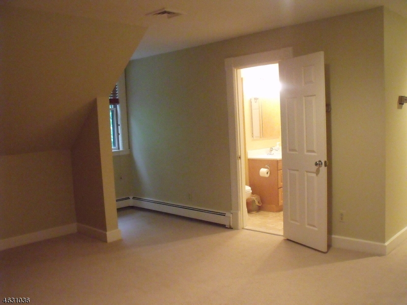 Additional photo for property listing at 1 Heaters Lane  Layton, 新泽西州 07851 美国