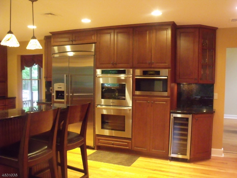 Additional photo for property listing at 1 Heaters Lane  Layton, New Jersey 07851 États-Unis