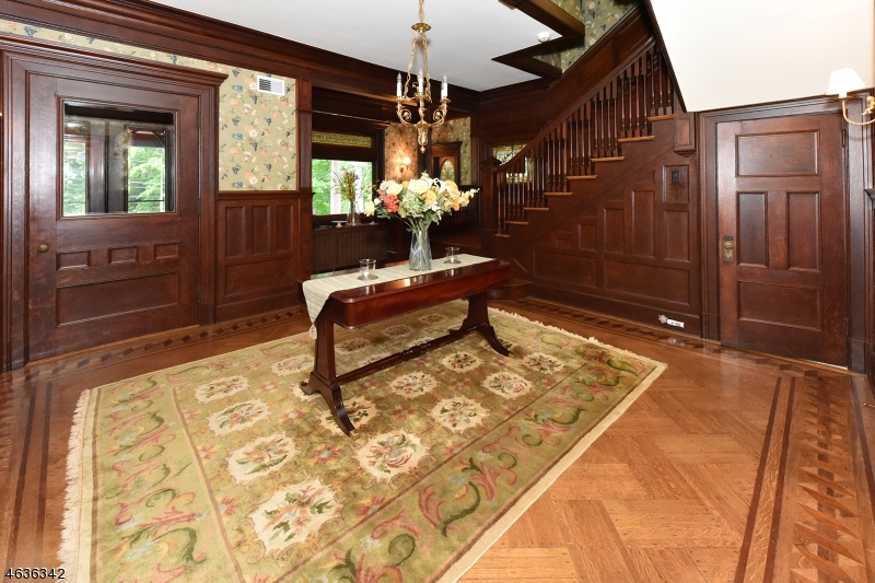 Additional photo for property listing at 448 Spring Avenue  Ridgewood, New Jersey 07450 United States