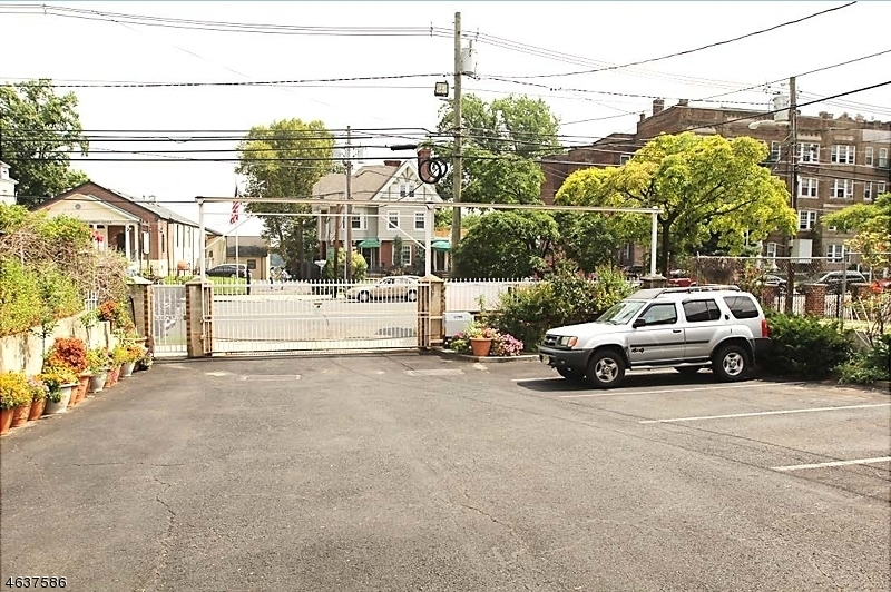 Additional photo for property listing at 468-470 MT PROSPECT Avenue  Newark, Nueva Jersey 07104 Estados Unidos