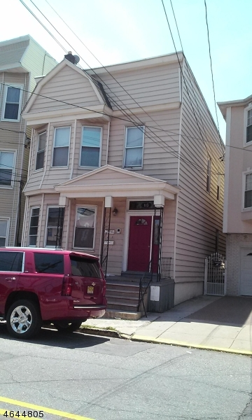 Additional photo for property listing at 113 Magazine Street  Newark, Nueva Jersey 07105 Estados Unidos