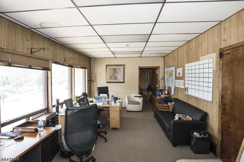Additional photo for property listing at 460 Bloomfield Avenue  Verona, Нью-Джерси 07044 Соединенные Штаты