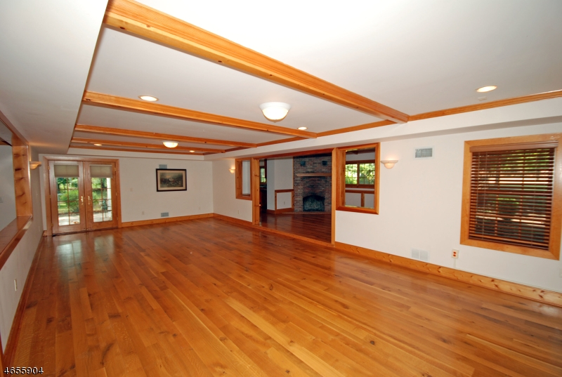 Additional photo for property listing at 1 D'Angelo Drive  Branchburg, New Jersey 08876 États-Unis