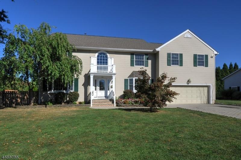 Casa Unifamiliar por un Venta en 278 Lincoln Street Berkeley Heights, Nueva Jersey 07922 Estados Unidos