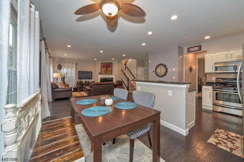 Additional photo for property listing at 6 Cambridge Place  Wayne, Нью-Джерси 07470 Соединенные Штаты