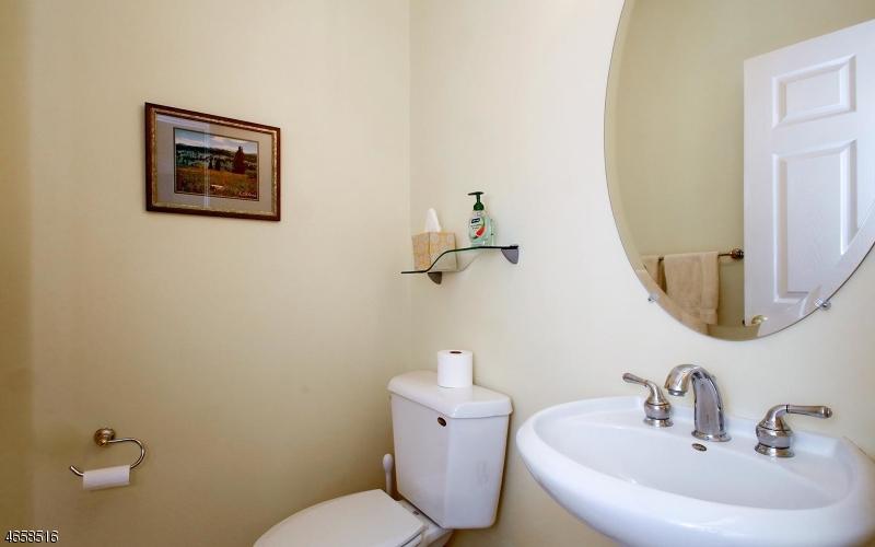 Additional photo for property listing at 87 Henning Ter  Denville, 新泽西州 07834 美国