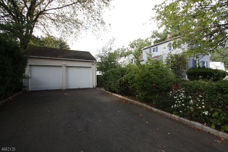 Additional photo for property listing at 640 W Scott Avenue  Rahway, New Jersey 07065 United States