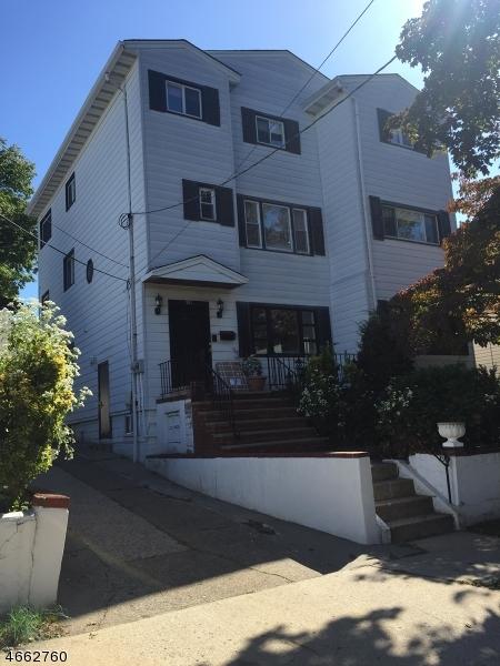 Casa Multifamiliar por un Venta en 331 Washington Street Carlstadt, Nueva Jersey 07072 Estados Unidos
