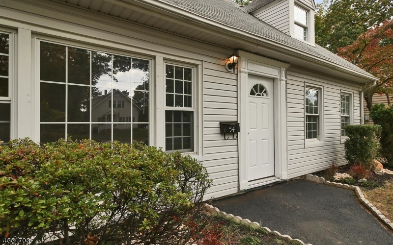 Additional photo for property listing at 54-58 LELAND Avenue  Plainfield, Нью-Джерси 07062 Соединенные Штаты