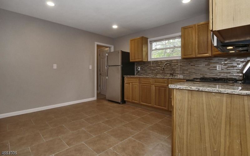Additional photo for property listing at 54-58 LELAND Avenue  Plainfield, Нью-Джерси 07062 Соединенные Штаты