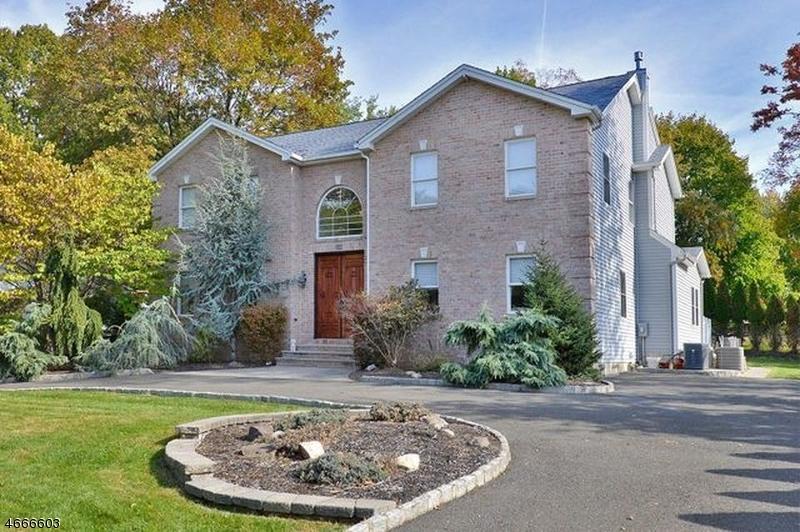 Частный односемейный дом для того Аренда на 243 Ballentine Drive Haledon, 07508 Соединенные Штаты