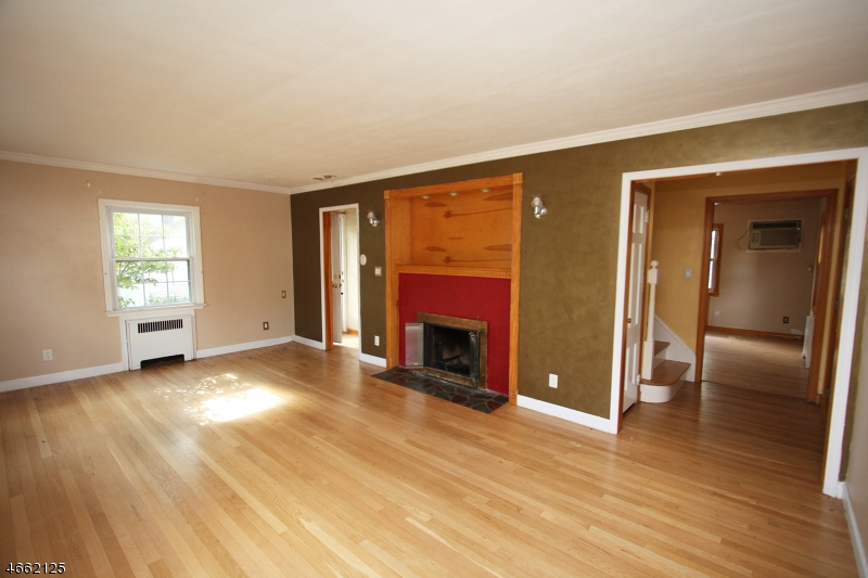 Additional photo for property listing at 640 W Scott Avenue  Rahway, New Jersey 07065 États-Unis