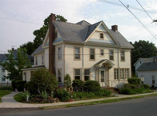 Maison unifamiliale pour l à louer à 11 MAIN Street Annandale, New Jersey 08801 États-Unis
