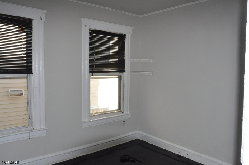 Additional photo for property listing at 30 Cambridge Street  East Orange, Nueva Jersey 07018 Estados Unidos