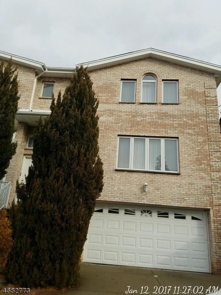 Casa Unifamiliar por un Venta en 119A E EDSALL BLVD Palisades Park, Nueva Jersey 07650 Estados Unidos