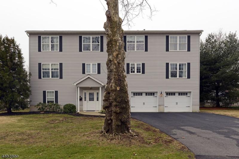 Частный односемейный дом для того Продажа на 17 Romondt Road Pompton Plains, Нью-Джерси 07444 Соединенные Штаты