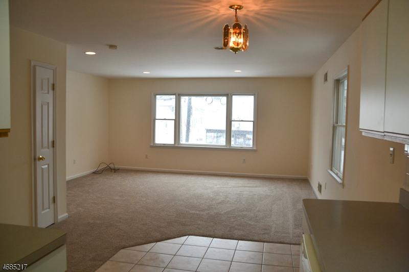 Частный односемейный дом для того Аренда на 128 Broughton Avenue Bloomfield, Нью-Джерси 07003 Соединенные Штаты