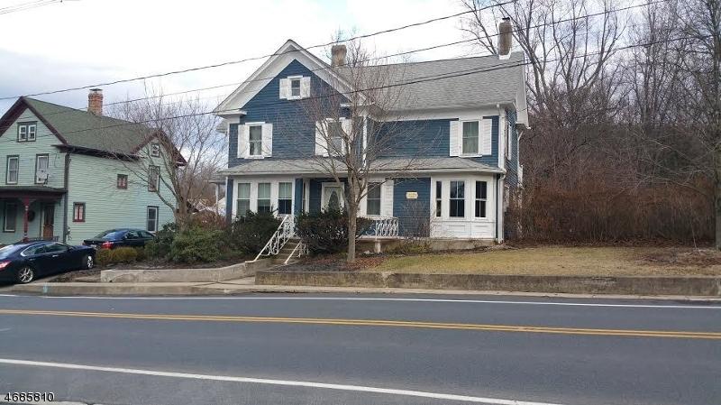 Casa Unifamiliar por un Alquiler en 16 Academy Street Califon, Nueva Jersey 07830 Estados Unidos