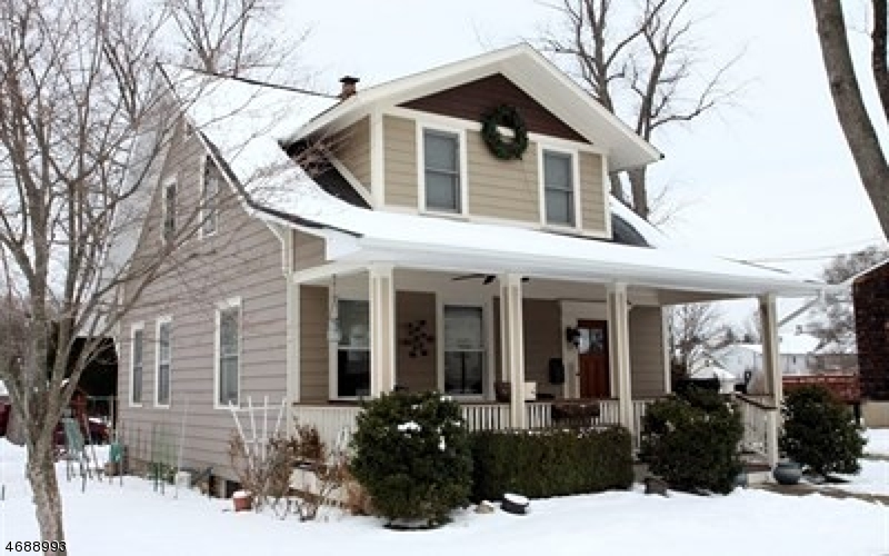 Casa Unifamiliar por un Venta en 12 Cleveland Avenue Waldwick, Nueva Jersey 07463 Estados Unidos
