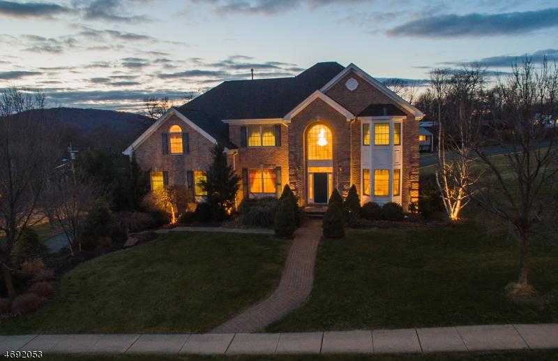 Частный односемейный дом для того Продажа на 5 Hearthstone Drive North Haledon, 07508 Соединенные Штаты