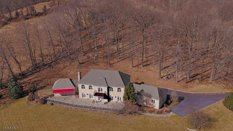 Single Family Home for Sale at 3 Alpaugh Farm Road Tewksbury Township, 08833 United States
