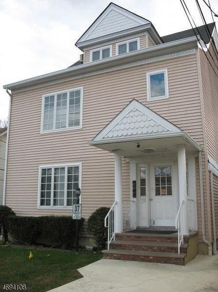 Частный односемейный дом для того Аренда на 37 Main St Apt. C Bloomingdale, Нью-Джерси 07403 Соединенные Штаты
