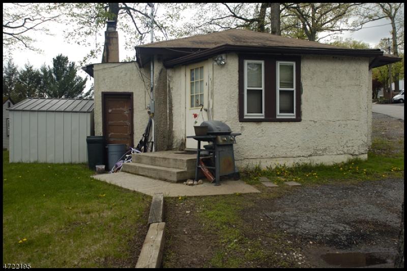 多戶家庭房屋 為 出售 在 45 W River Styx Road Hopatcong, 新澤西州 07843 美國