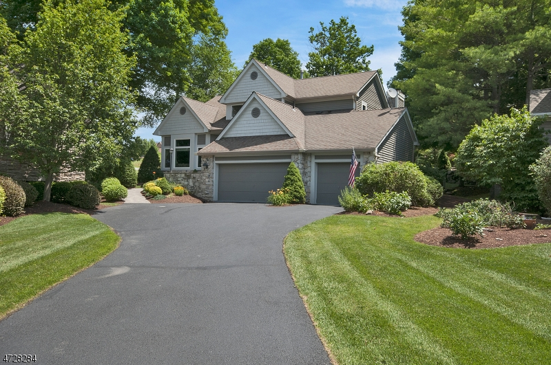 Single Family Home for Sale at 17 Red Oak Drive Hardyston, 07419 United States